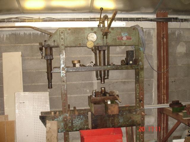 Presse hydraulique FOG Dsc01010