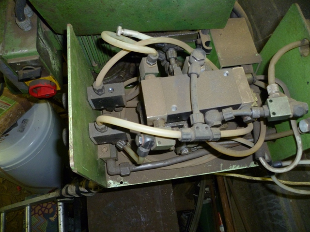pompe hydraulique P1000710