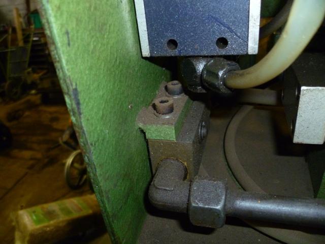pompe hydraulique P1000716