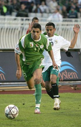 مجموعة صور الفريق الوطني الجزائري 08022010