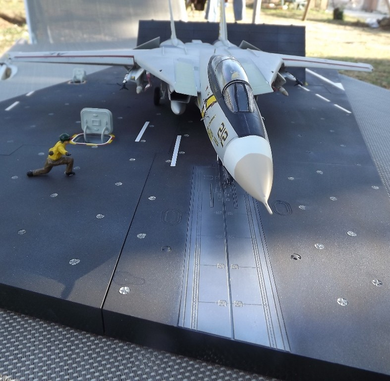 montage F-14 A Academy et hasegawa - Page 2 F-14_611