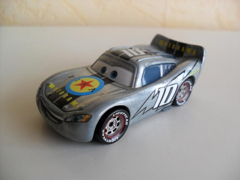 [recensement] Lightning McQueen Pixar Motorama - Page 4 Sam_2416