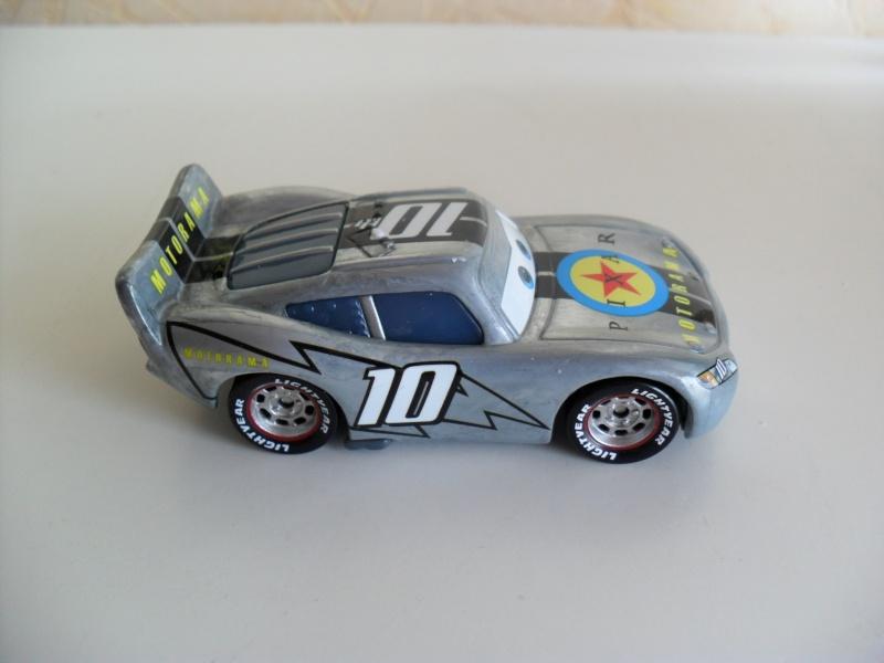 [recensement] Lightning McQueen Pixar Motorama - Page 4 Sam_2419