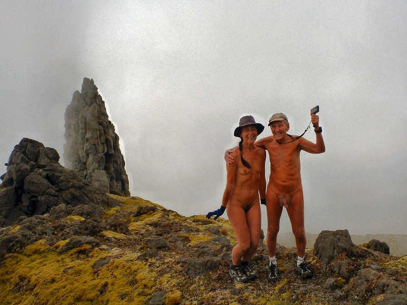 De belles photos naturistes d'ici et d'ailleurs! - Page 3 14mist10