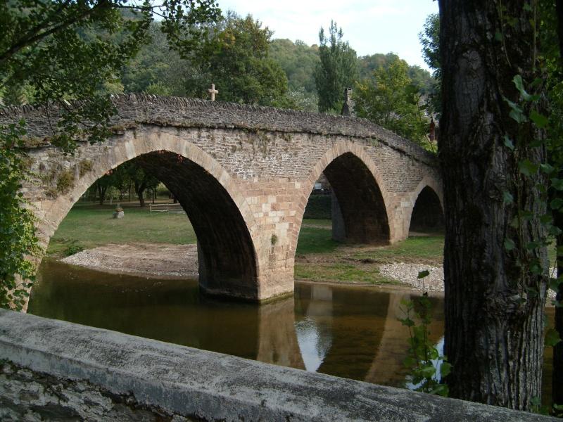 Belcastel en Aveyron 00213