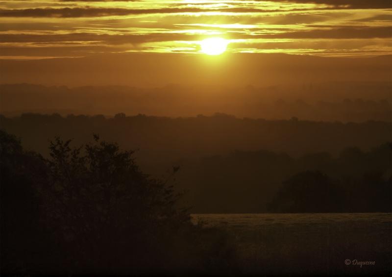 Lever de soleil sur le Morvan 02410