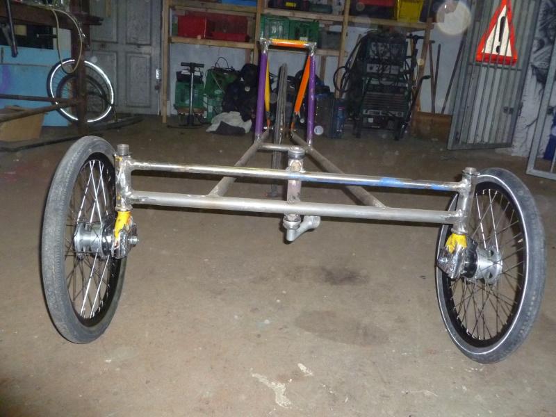 Autofabrication d'un trike, hauteur de pedalier P1020812