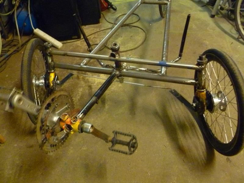 Autofabrication d'un trike, hauteur de pedalier P1020911