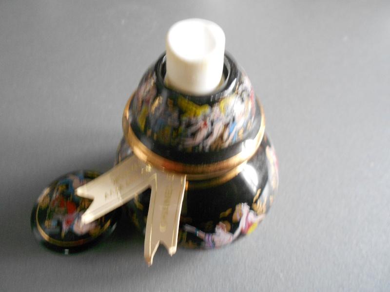 Flacon porcelaine 5 de Chanel  Photo_34