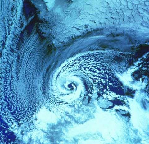 La spirale, mouvement de vie. - Page 2 Polar_10