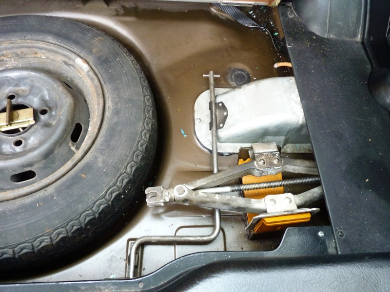 Mon coupé Datsun 120Y - Page 8 P1040010