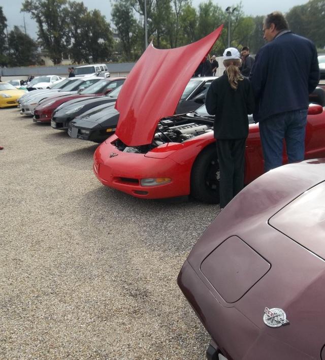 Cars and coffee et autres réunions - Page 41 100_1127