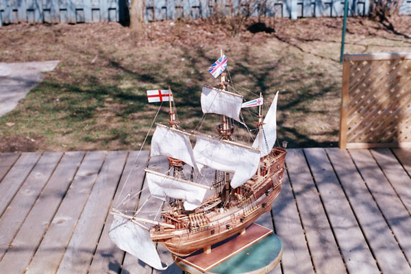 Mayflower 1:65 de Constructo kit #1620. 1a10