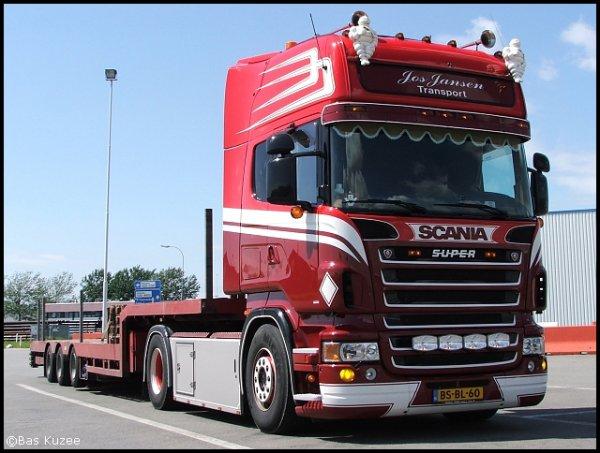 Camions du forum echelle 1 - Page 7 24044510