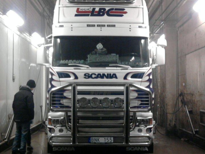 Camions du forum echelle 1 - Page 7 24926810