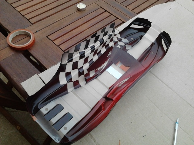 nouveaux look pour mon Erevo 1ere peinture carrosserie   412