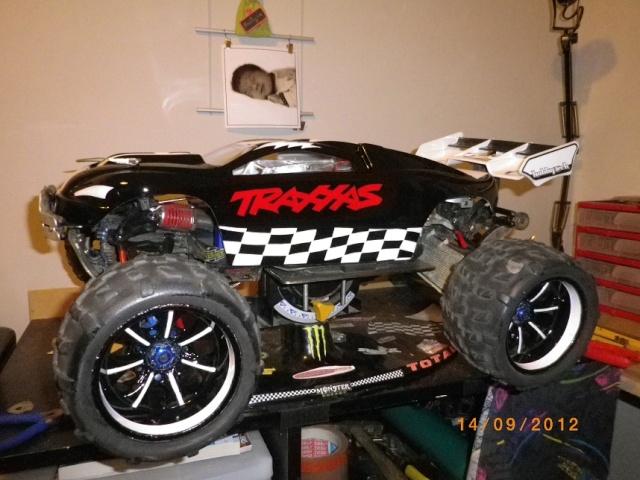 nouveaux look pour mon Erevo 1ere peinture carrosserie   710