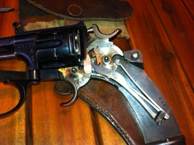 Le revolver d'ordonnance 1882 Intari10