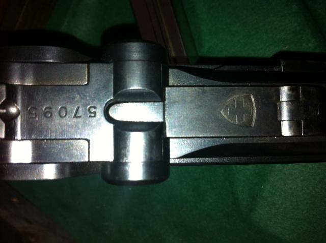 Les Luger suisses, modèles 1906 produits par la Waffen Fabrick à Berne. Para2910