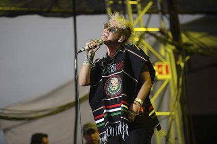 "10/13/12 – Mexico City, Mexico, Autodromo Hermanos Rodriguez, ""Corona Capital Music Festival"" - Page 2 10-13-44"