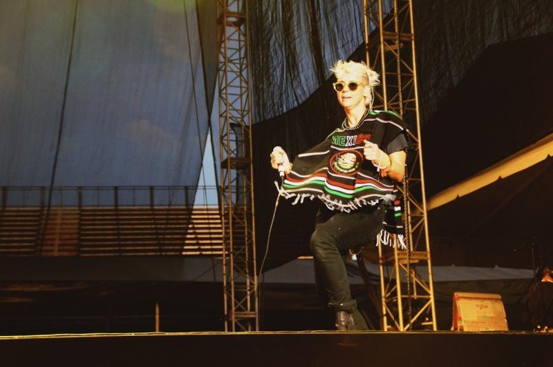 "10/13/12 – Mexico City, Mexico, Autodromo Hermanos Rodriguez, ""Corona Capital Music Festival"" - Page 2 10-13-60"