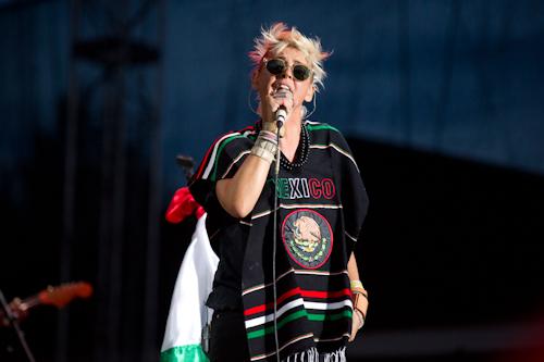 "10/13/12 – Mexico City, Mexico, Autodromo Hermanos Rodriguez, ""Corona Capital Music Festival"" - Page 2 10-13-85"