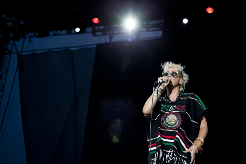 "10/13/12 – Mexico City, Mexico, Autodromo Hermanos Rodriguez, ""Corona Capital Music Festival"" - Page 2 10-13104"