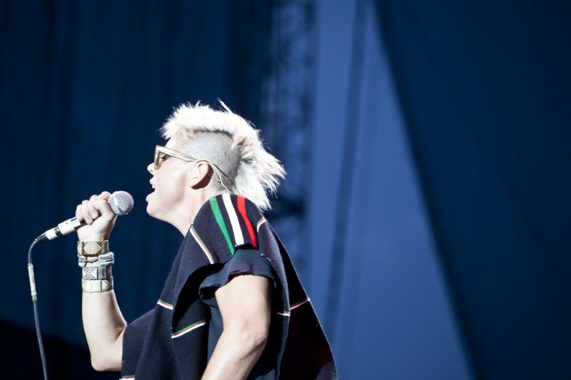 "10/13/12 – Mexico City, Mexico, Autodromo Hermanos Rodriguez, ""Corona Capital Music Festival"" - Page 2 10-13105"