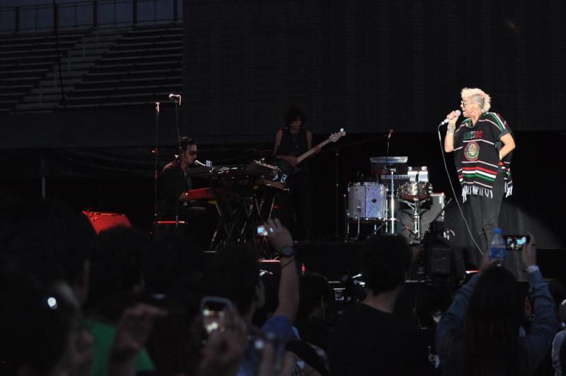 "10/13/12 – Mexico City, Mexico, Autodromo Hermanos Rodriguez, ""Corona Capital Music Festival"" - Page 2 10-13111"