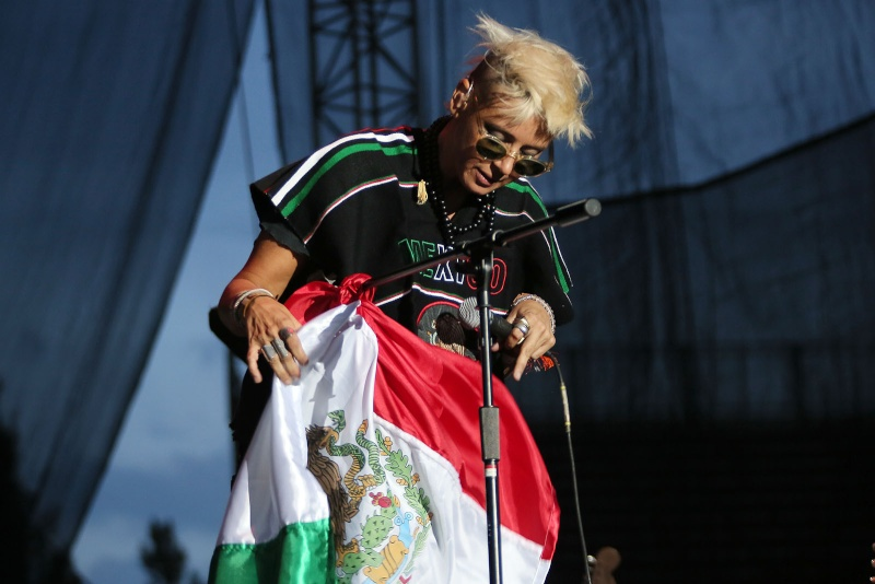 "10/13/12 – Mexico City, Mexico, Autodromo Hermanos Rodriguez, ""Corona Capital Music Festival"" - Page 2 10-13119"