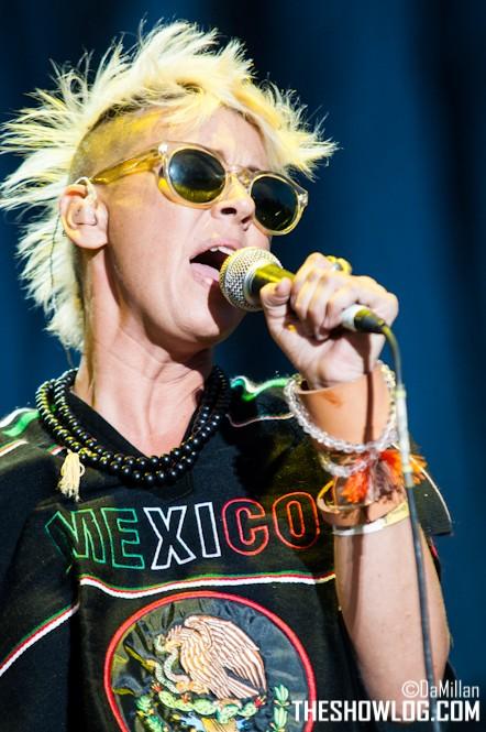 "10/13/12 – Mexico City, Mexico, Autodromo Hermanos Rodriguez, ""Corona Capital Music Festival"" - Page 2 10-13153"