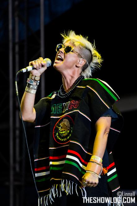 "10/13/12 – Mexico City, Mexico, Autodromo Hermanos Rodriguez, ""Corona Capital Music Festival"" - Page 2 10-13158"