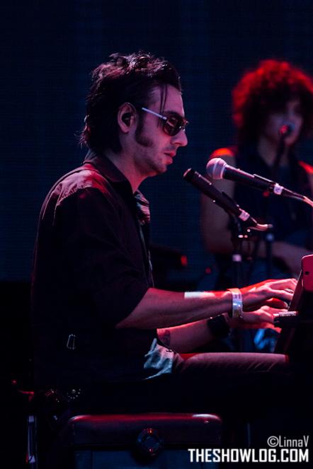 "10/13/12 – Mexico City, Mexico, Autodromo Hermanos Rodriguez, ""Corona Capital Music Festival"" - Page 2 10-13159"