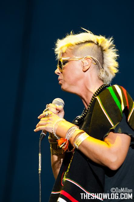 "10/13/12 – Mexico City, Mexico, Autodromo Hermanos Rodriguez, ""Corona Capital Music Festival"" - Page 2 10-13163"