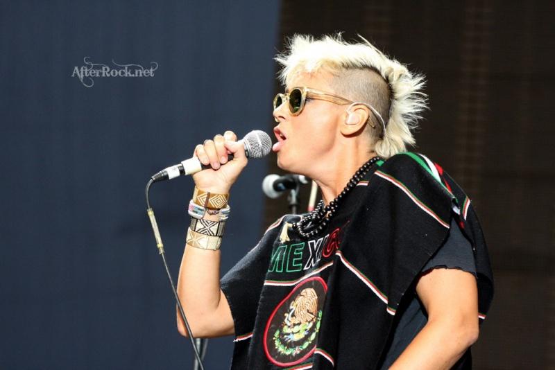 "10/13/12 – Mexico City, Mexico, Autodromo Hermanos Rodriguez, ""Corona Capital Music Festival"" - Page 2 10-13173"
