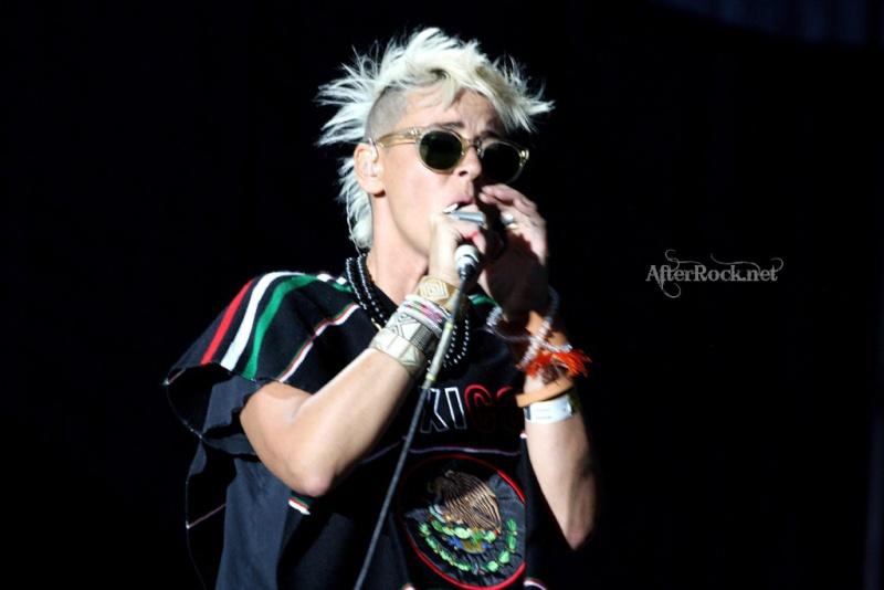 "10/13/12 – Mexico City, Mexico, Autodromo Hermanos Rodriguez, ""Corona Capital Music Festival"" - Page 2 10-13184"