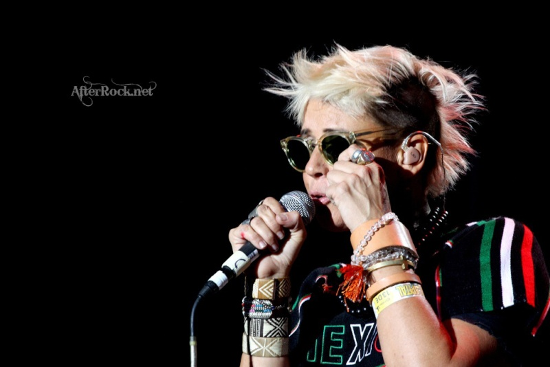 "10/13/12 – Mexico City, Mexico, Autodromo Hermanos Rodriguez, ""Corona Capital Music Festival"" - Page 2 10-13198"