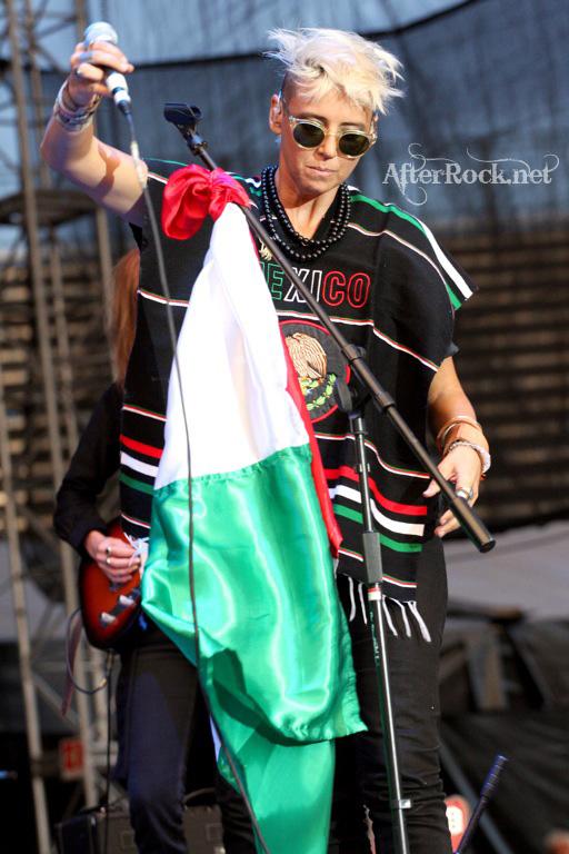 "10/13/12 – Mexico City, Mexico, Autodromo Hermanos Rodriguez, ""Corona Capital Music Festival"" - Page 2 10-13200"