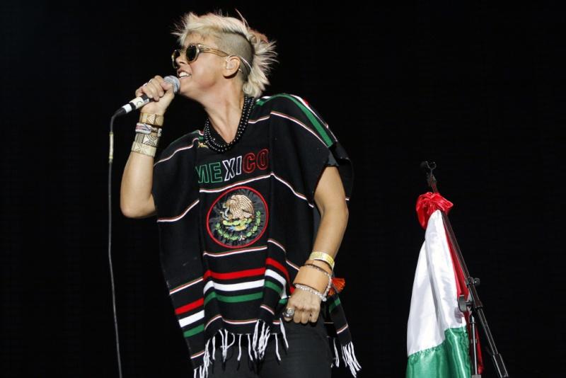 "10/13/12 – Mexico City, Mexico, Autodromo Hermanos Rodriguez, ""Corona Capital Music Festival"" - Page 3 10-13213"