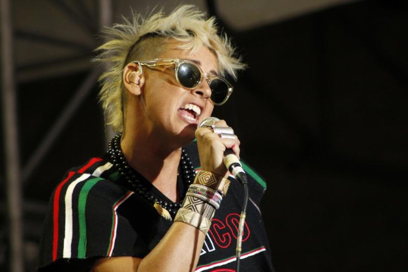 "10/13/12 – Mexico City, Mexico, Autodromo Hermanos Rodriguez, ""Corona Capital Music Festival"" - Page 3 10-13216"