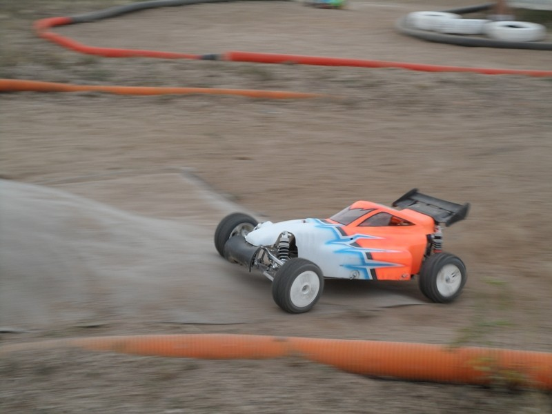 Course Ligue TT1/5 + TT1/8 Brushless le 23/09/2012 à l'AMCH: - Page 3 800_1011