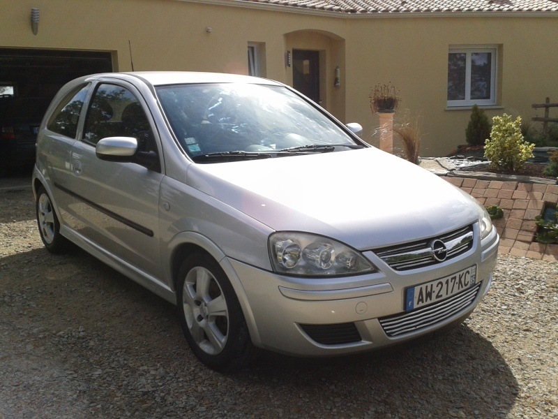 Opel CORSA III (2) 1.3 CDTI COSMO EASYTRONIC 3P 44410