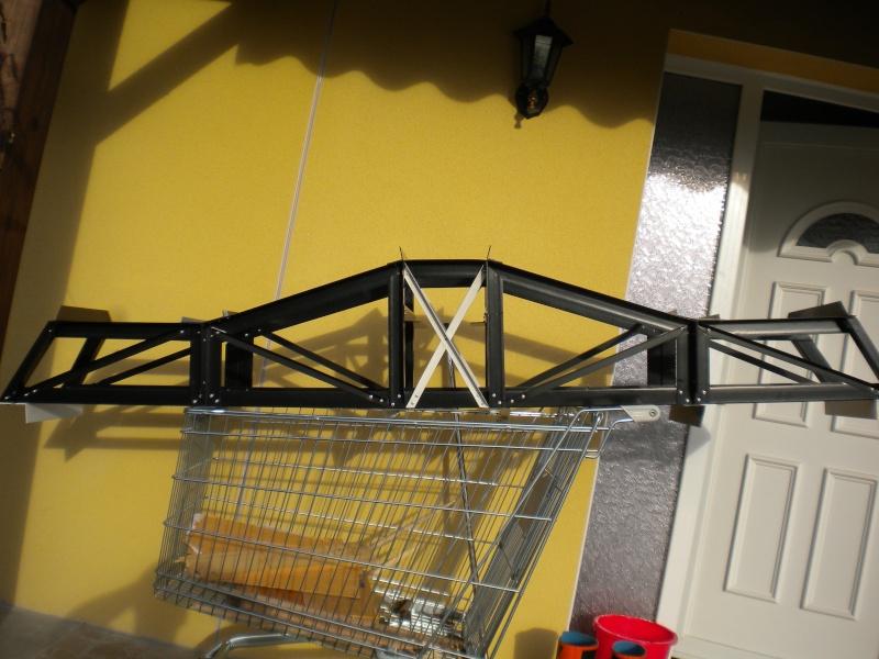 un pont de fabiquation simple pour mon train de jardin 1/32 Dscn1217