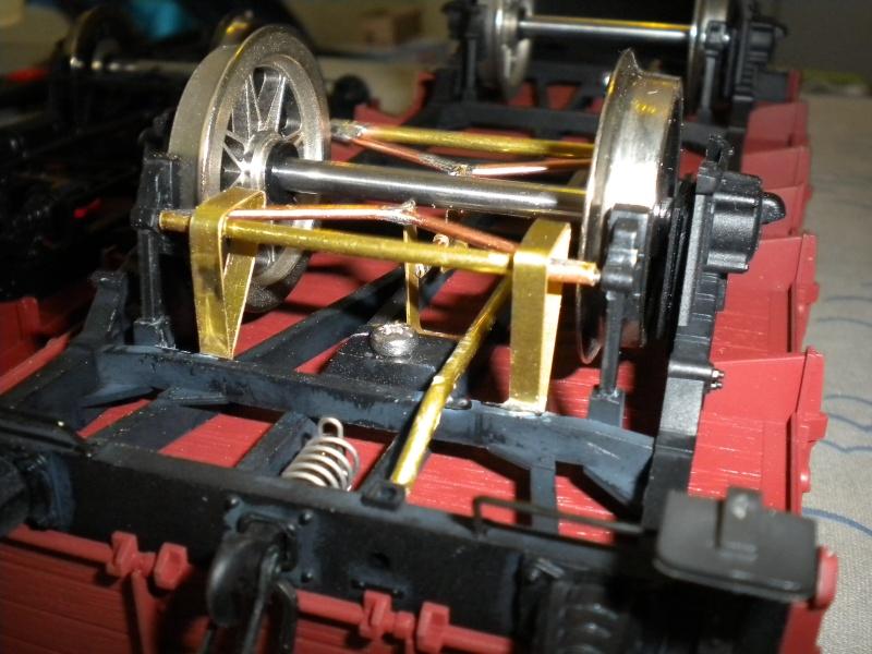 Fabrication du système de freinage sous un wagon tombereau  Dscn1324