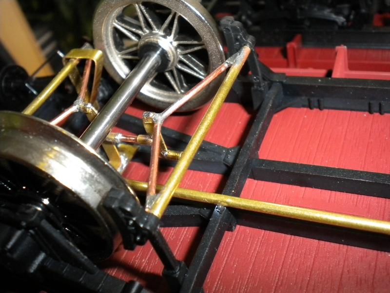 Fabrication du système de freinage sous un wagon tombereau  Dscn1326
