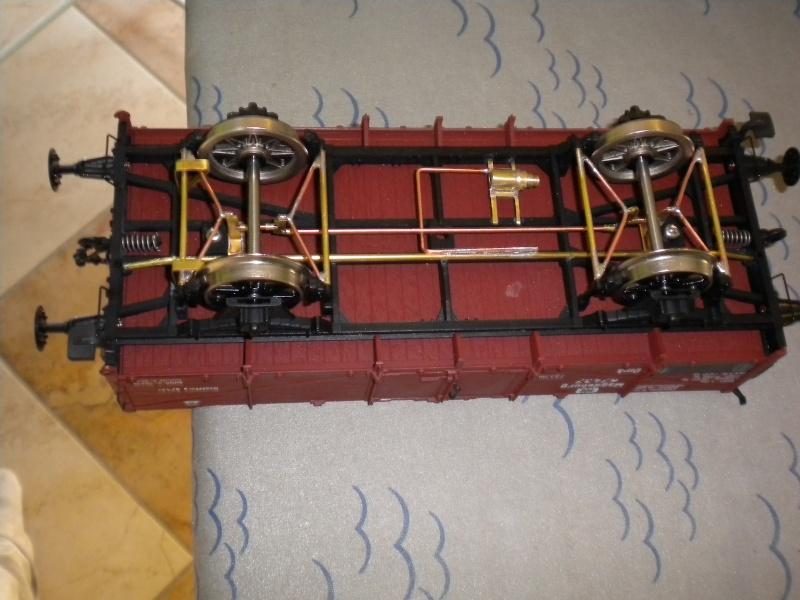 Fabrication du système de freinage sous un wagon tombereau  Dscn1328