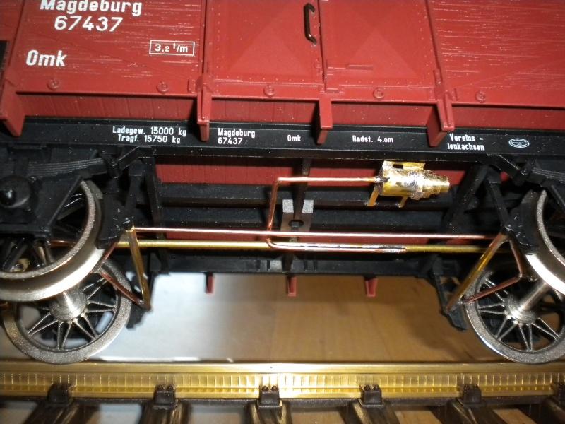 Fabrication du système de freinage sous un wagon tombereau  Dscn1330