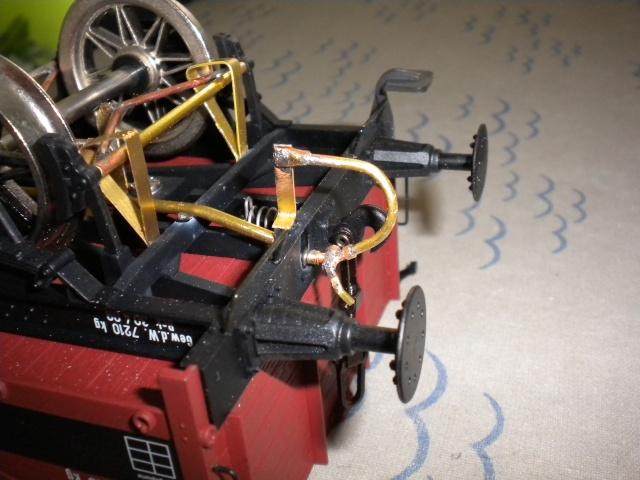 Fabrication du système de freinage sous un wagon tombereau  Dscn1333