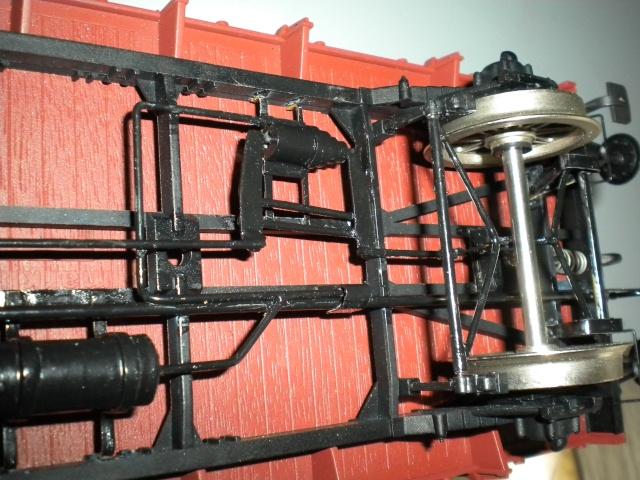 Fabrication du système de freinage sous un wagon tombereau  - Page 2 Dscn1348
