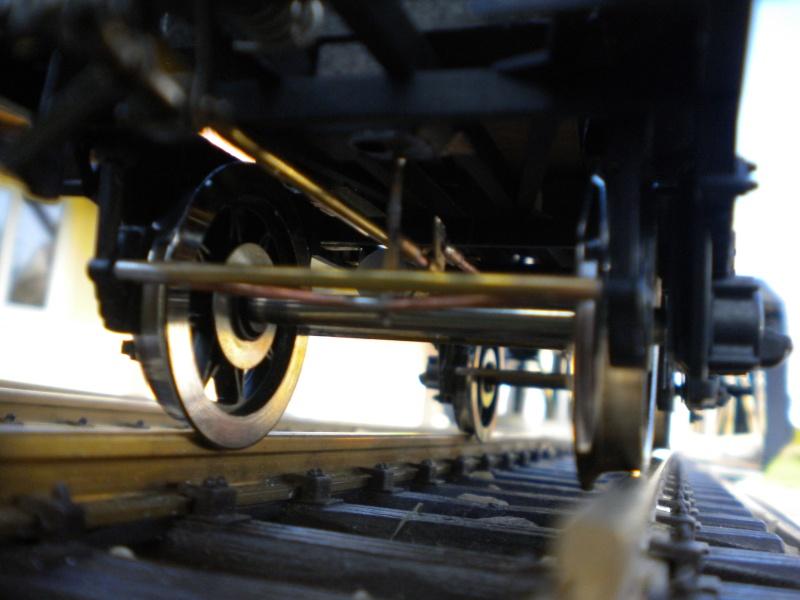 Fabrication du système de freinage sous un wagon tombereau  - Page 2 Dscn1350